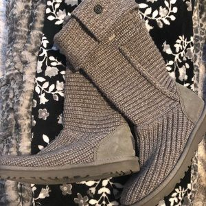 UGG grey knit boots! Like new 🖤